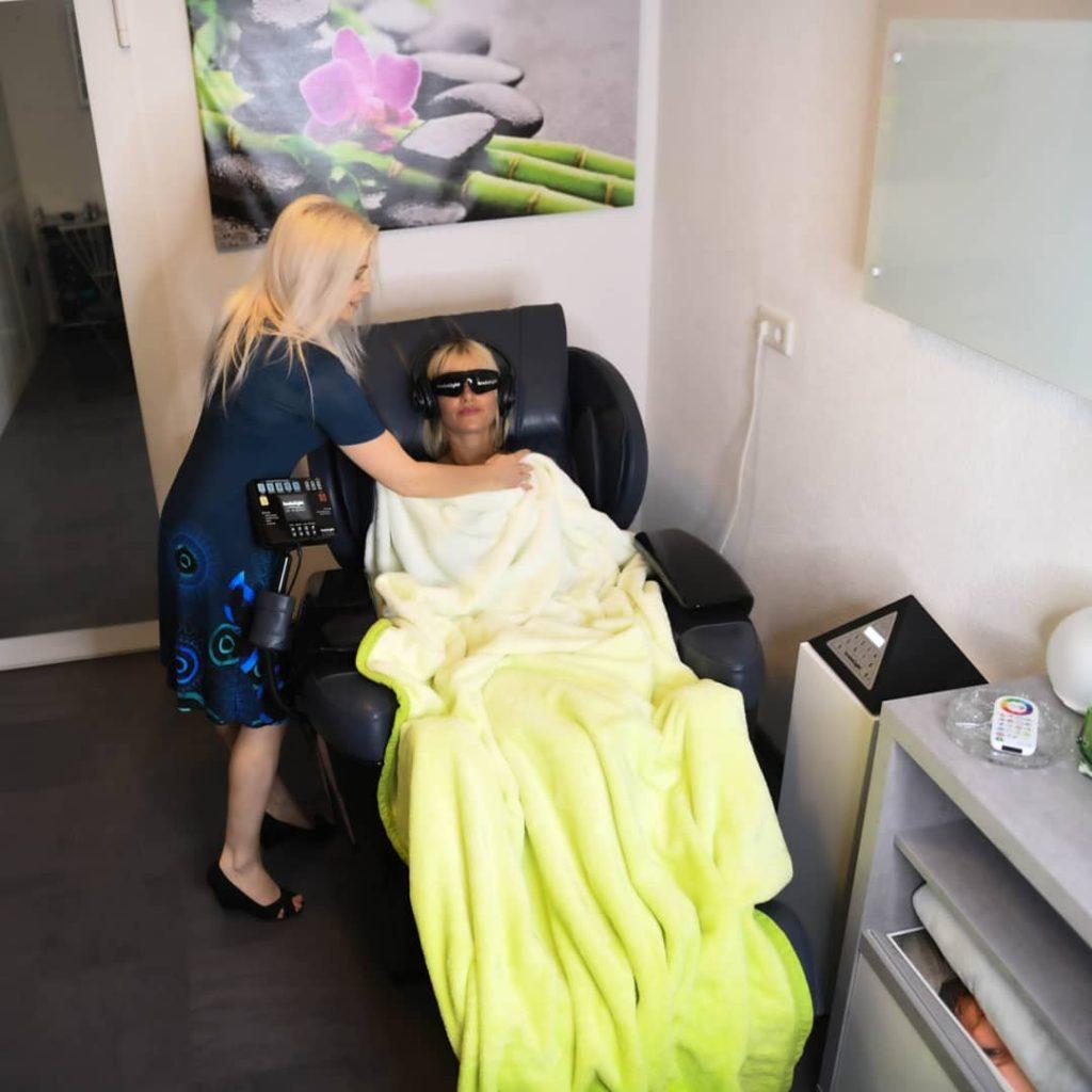 Brainlight und Massagesessel Studio Elegance Friedrichshafen